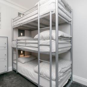 Hostelek és Ifjúsági Szállások - The WestEnd Hotel