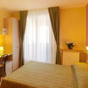 Hostelek és Ifjúsági Szállások - Hotel Arco Romana