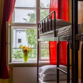 Hostelek és Ifjúsági Szállások -  Let's Rock Hostel