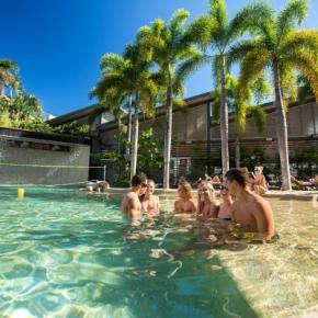Hostelek és Ifjúsági Szállások - Gilligans Backpackers Hotel & Resort
