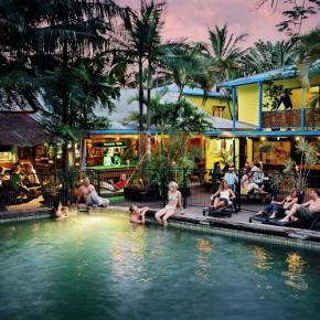 Hostelek és Ifjúsági Szállások - Calypso Inn Backpackers Resort Cairns