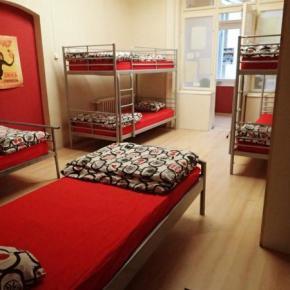 Hostelek és Ifjúsági Szállások - Carpe Noctem