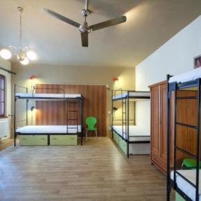 Hostelek és Ifjúsági Szállások - Little Quarter