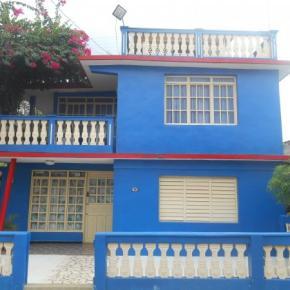 Hostelek és Ifjúsági Szállások - Casa Adrian
