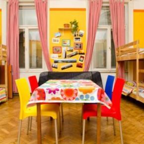 Hostelek és Ifjúsági Szállások - Colors Budapest Hostel and Apartment