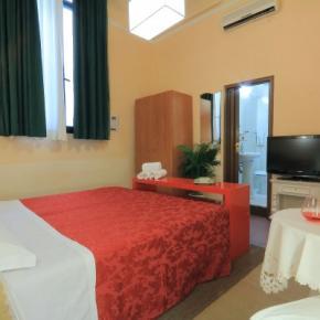 Hostelek és Ifjúsági Szállások - Hotel Toscana Firenze