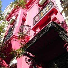 Hostelek és Ifjúsági Szállások - The Pink House