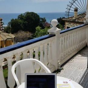 Hostelek és Ifjúsági Szállások - Malaga Beach and Center Backpackers