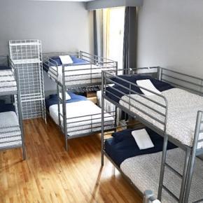 Hostelek és Ifjúsági Szállások - Pied-A-Terre Mont-Royal