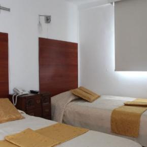 Hostelek és Ifjúsági Szállások - Hotel La Santamaría