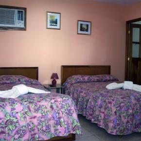 Hostelek és Ifjúsági Szállások - Hostal Malecón