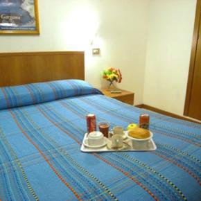 Hostelek és Ifjúsági Szállások - Hotel Adelchi