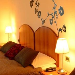 Hostelek és Ifjúsági Szállások - Hotel Francesco