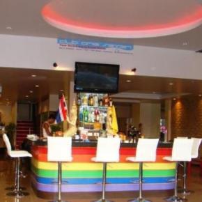 Hostelek és Ifjúsági Szállások - Club One Seven Phuket