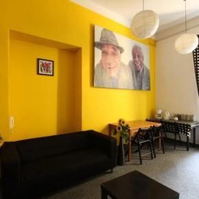 Hostelek és Ifjúsági Szállások - Hostel Yellow