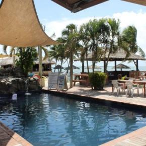 Hostelek és Ifjúsági Szállások - Smugglers Cove Beach Resort and Hotel
