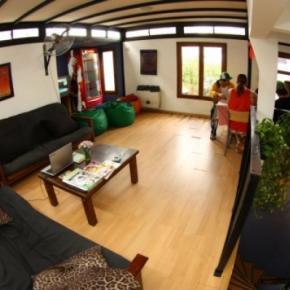 Hostelek és Ifjúsági Szállások - Garden House BA