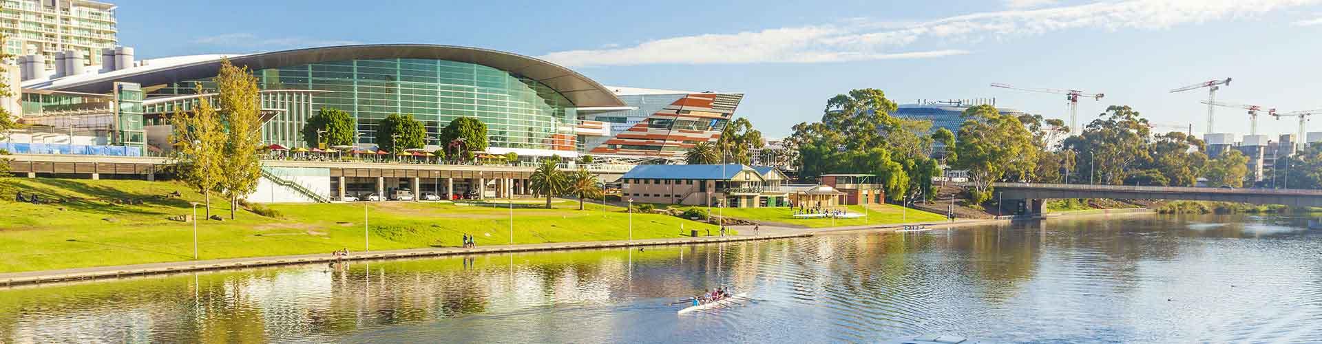 Adelaide - Szobák Észak Terrace városrészen. Adelaide térképek, fotók, és ajánlások minden egyes Adelaide szobáról.