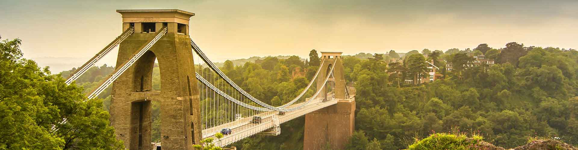 Bristol - Lakosztályok Bristol. Bristol térképek, fotók és ajánlások minden egyes Bristol lakosztályról.