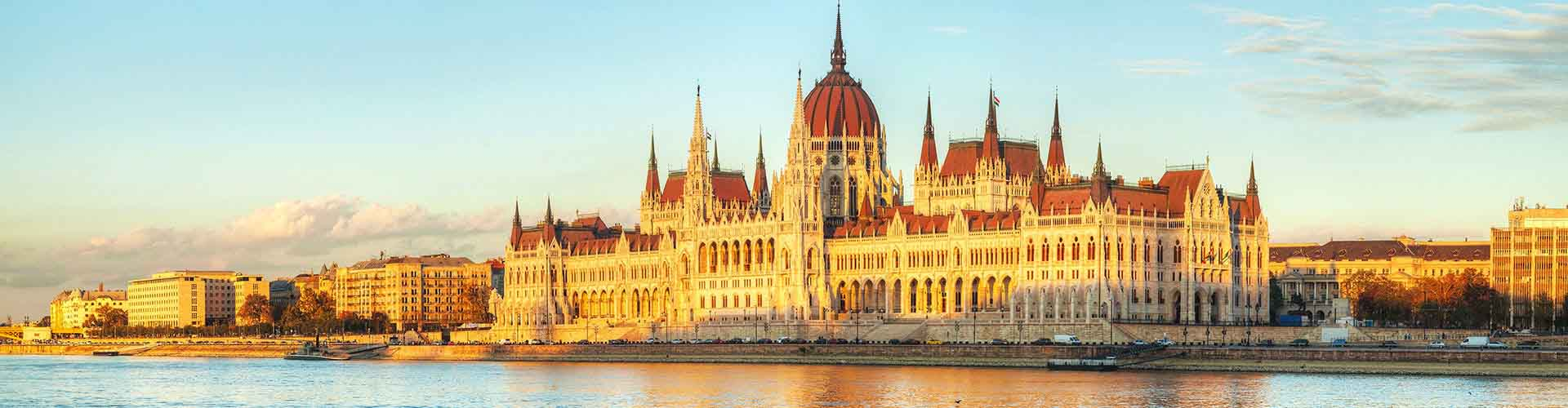 Budapest – Student accommodations, hostels and coworking spaces in Budapest (Magyarország). Maps of Budapest, photos and reviews for each place in Budapest.