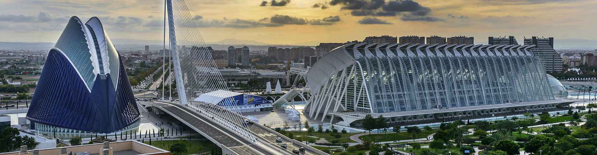 Valencia - Lakosztályok közel Valencia Repülőtér. Valencia térképek, fotók és ajánlások minden egyes Valencia lakosztályról.