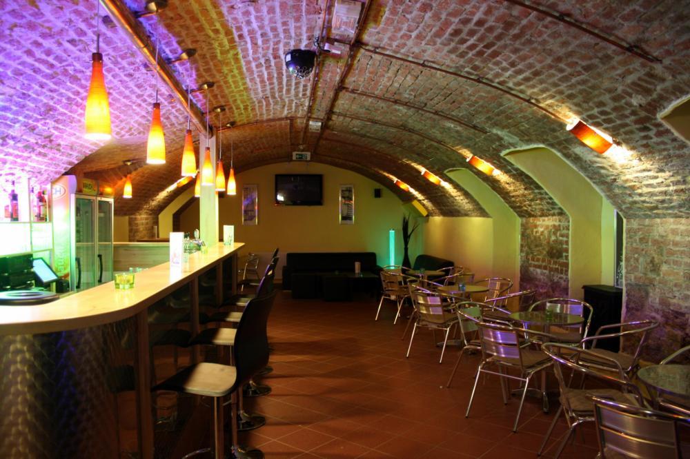 A & O Bécs Stadthalle Hostel Bar
