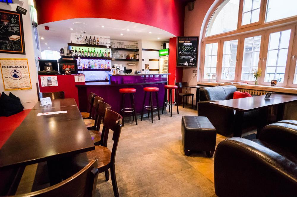 A 24/7 bár az Amstel House Hostel Berlinben található