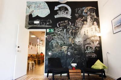 Hostelek és Ifjúsági Szállások - 360 Hostel Barcelona Arts&Culture;