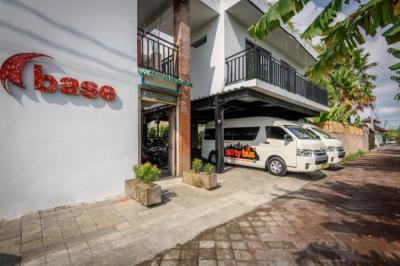Hostelek és Ifjúsági Szállások - Base Guest House and Hostel