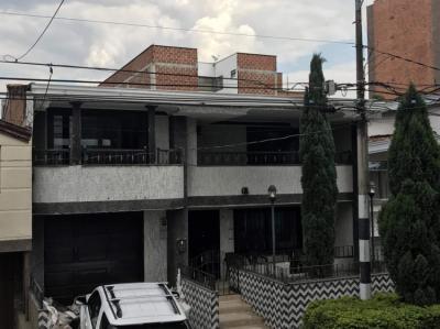 Hostelek és Ifjúsági Szállások - Pool Hostel