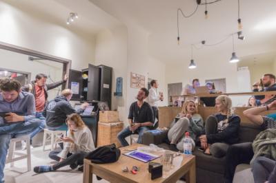 Hostelek és Ifjúsági Szállások - Hostel The RoadHouse Prague