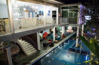 Hostelek és Ifjúsági Szállások - White Rabbit Hostel