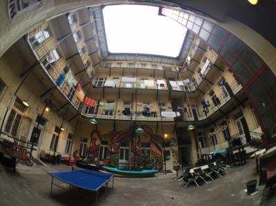 Hostelek és Ifjúsági Szállások - DBC Hostel