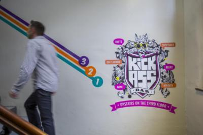 Hostelek és Ifjúsági Szállások - Kick Ass Hostel