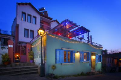 thessaloniki hostels hostels. Black Bedroom Furniture Sets. Home Design Ideas