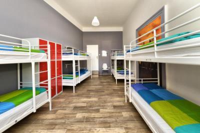 Hostelek és Ifjúsági Szállások - Hostel One Home