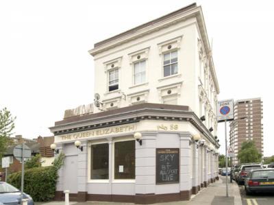 Hostelek és Ifjúsági Szállások - Queen Elizabeth Pub and Hostel