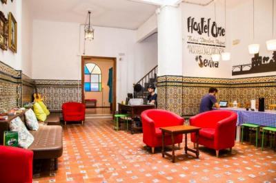 Hostelek és Ifjúsági Szállások - Hostel One Catedral Sevilla
